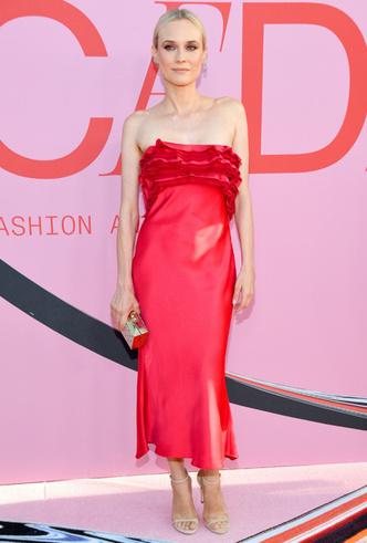 Фото №30 - Лучшие звездные образы на ковровой дорожке CFDA Fashion Awards 2019