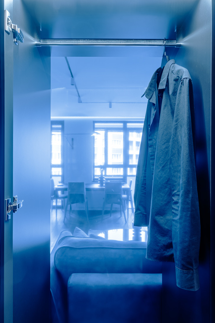 Фото №11 - Современная квартира в темных тонах 103 м²