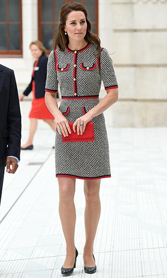 Фото №9 - 5 причин, почему Кейт Миддлтон не ругают за мини-юбки