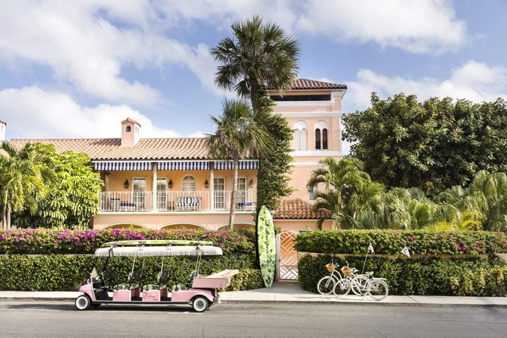 Фото №1 - Обои de Gournay в обновленном отеле Colony во Флориде