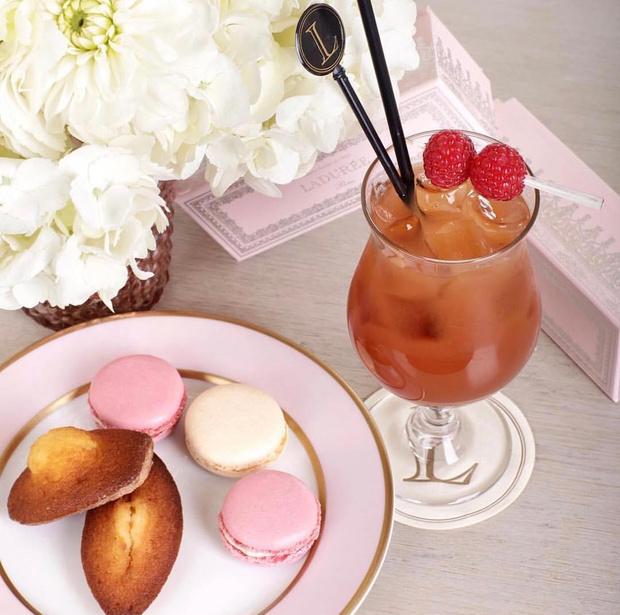 Фото №1 - Сладкая жизнь: готовим классическое печенье «Мадлен», как это делают лучшие кондитеры Франции