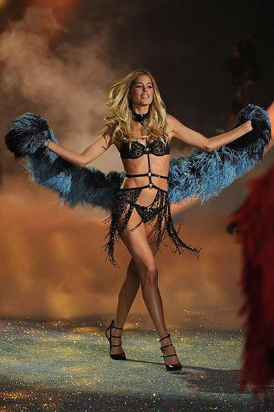 Фото №9 - Самые красивые «ангелы» Victoria's Secret