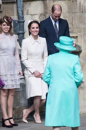 Фото №3 - Что могут короли: как проходит типичный день Елизаветы II в Букингемском дворце