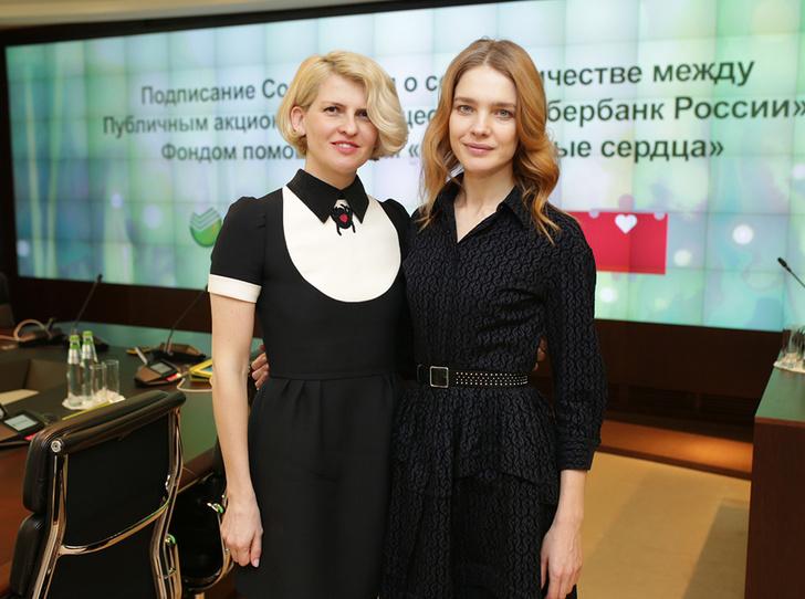 Фото №1 - Наталья Водянова и Полина Киценко снова побегут со смыслом. А вы?