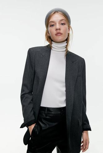 Фото №17 - Как королевские модницы носят широкие ободки (и где искать похожие)
