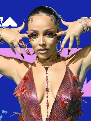 Фото №25 - MTV Video Music Awards 2020: лучшие и худшие наряды звезд на красной дорожке