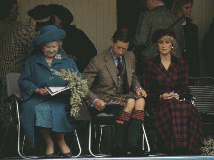 Фото №2 - Как Королева-мать дала принцессе Диане понять, что она больше не часть семьи