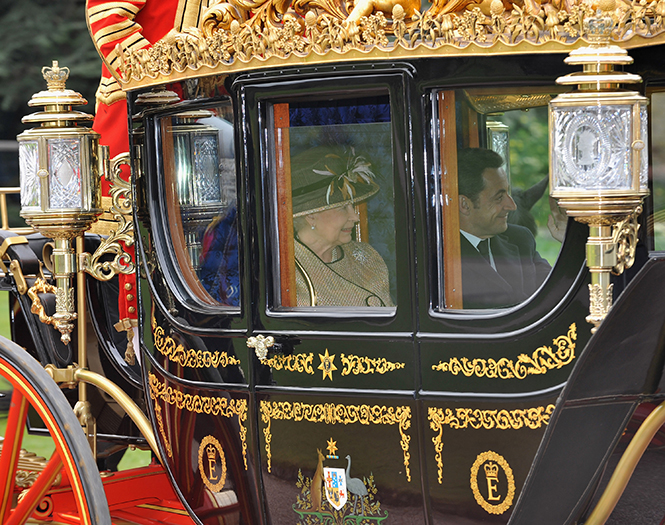 Фото №5 - Повезет – не повезет: кого из президентов Елизавета II катала в своей карете