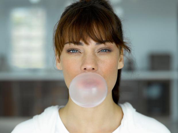 Фото №1 - Советы остеопата: что может ваша жевательная резинка