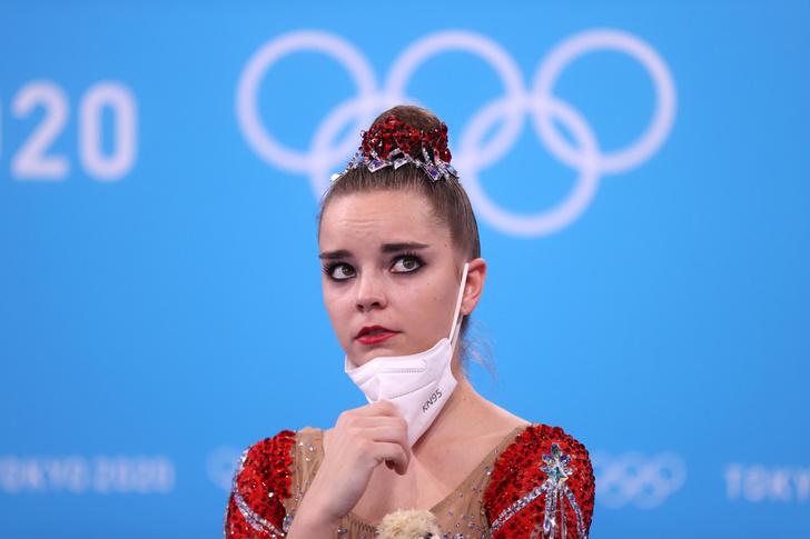 Фото №3 - «Это позор гимнастики»: Винер, Захарова и весь мир протестуют против судей, «укравших» золото сестер Авериных