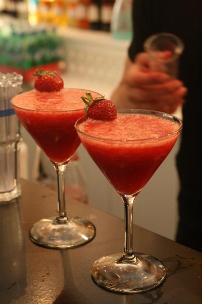 Начав за барной стойкой, составитель коктейлей может дорасти до фешенебельных ресторанов