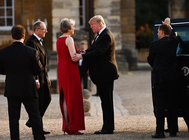 Фото №2 - Мелания Трамп «украла шоу» на гала-ужине в Бленхеймском дворце