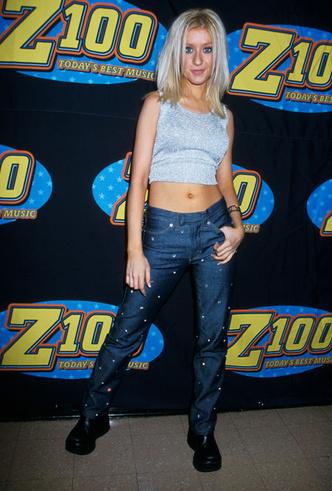 Фото №7 - Не ждали: почему джинсы с низкой талией снова в тренде (и как их носить)