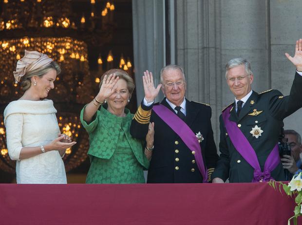 Фото №19 - Короли на пенсии: 8 монархов, которые отреклись в пользу детей