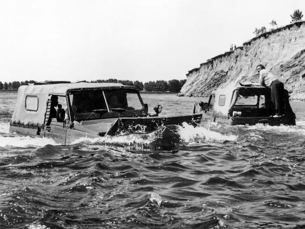 Фото №2 - Кошка, которая плавала сама по себе: история советского «Ягуара»