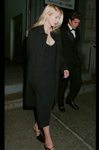 Фото №7 - Правила стиля Кэролин Бессетт-Кеннеди: безупречный минимализм из 90-х