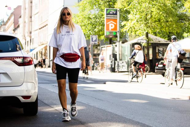 Фото №2 - Идеальная база: 30 белых футболок не дороже 1500 рублей