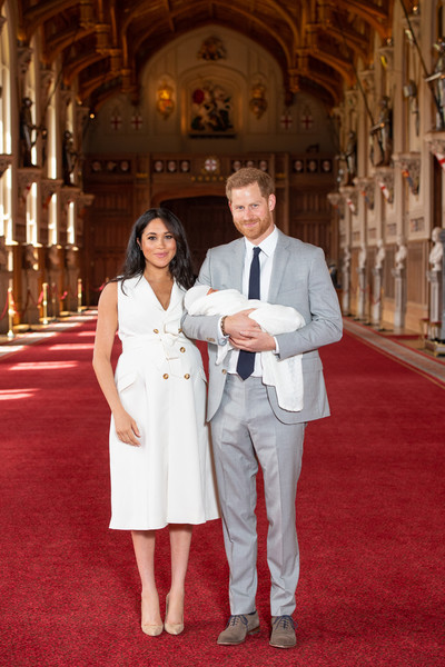 Фото №1 - Принц Гарри и Меган Маркл впервые показали сына