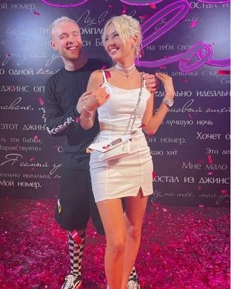 Фото №2 - Егор Крид отметил день рождения. И у фанатов есть только один вопрос: была ли на вечеринке Валя Карнавал?