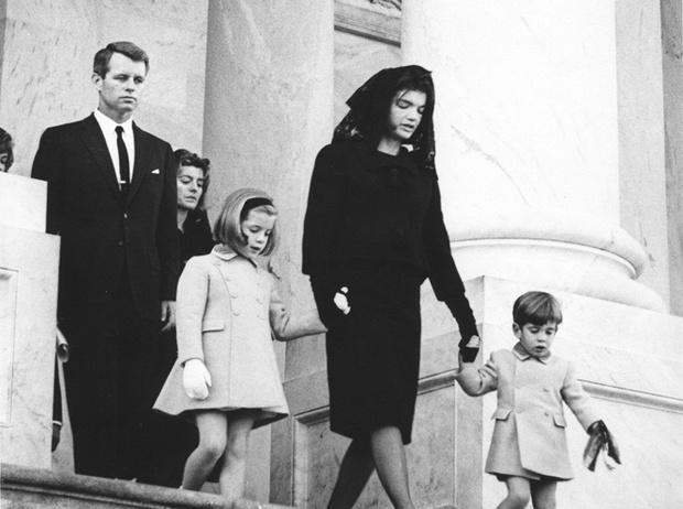 Фото №17 - Отличница Джеки Кеннеди: любовь и трагедия самой известной Первой леди США