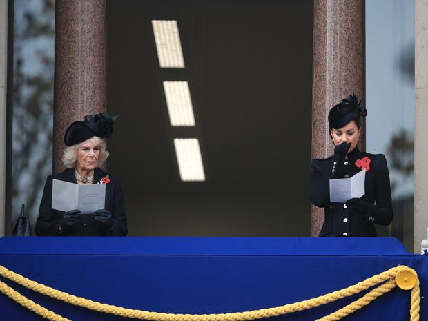 Фото №4 - Почему принцесса Анна не появилась на балконе в день памяти (а Кейт, Камилла и Софи— да)