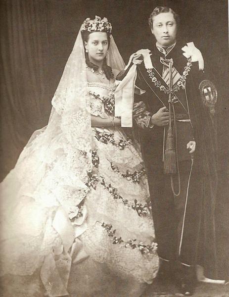 Фото №6 - 5 главных традиций королевской свадьбы в Великобритании