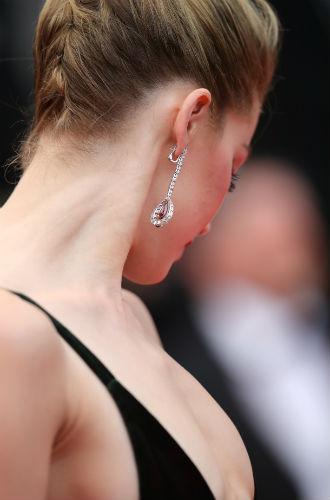 Фото №7 - Красивые Канны-2018: лучшие образы звезд в третий день кинофестиваля