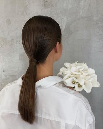 Фото №9 - Свадебные тренды-2020: 57 идей стильных причесок и укладок