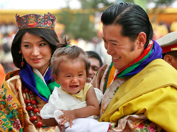 Фото №7 - Король-дракон Бутана: любовь стоит того, чтобы ждать