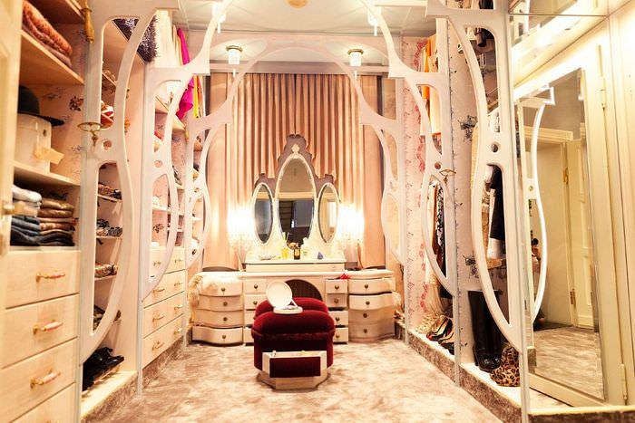 Фото №3 - Полный порядок: идеи для гардеробной мечты