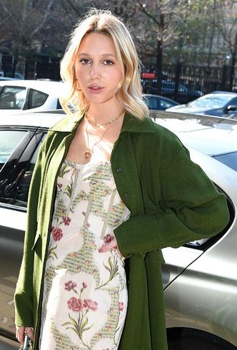 Фото №7 - Королевский стиль: греческая принцесса затмила всех на неделе моды в Нью-Йорке