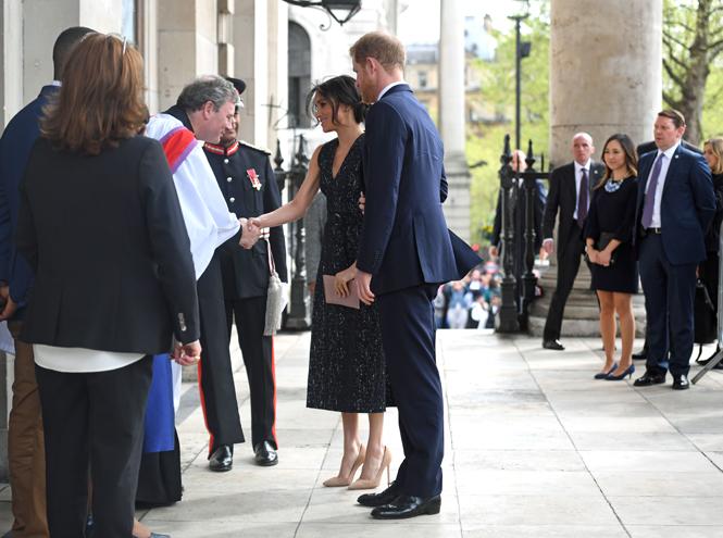 Фото №5 - Отвлекающий маневр: Меган Маркл и принц Гарри снова в центре внимания