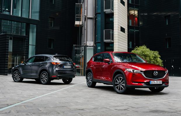 Фото №1 - Шедевр столетней выдержки: Mazda представила кроссовер к собственному юбилею