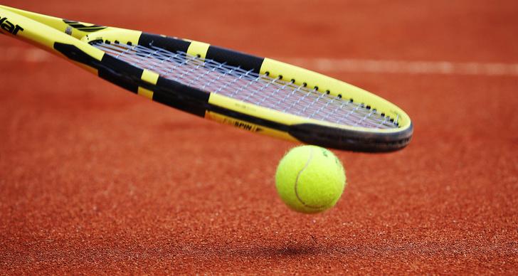 Фото №1 - Что шуршит внутри теннисного мяча?
