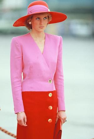 Фото №5 - Королевский тренд: платья в стиле color-blocking от первых британских модниц