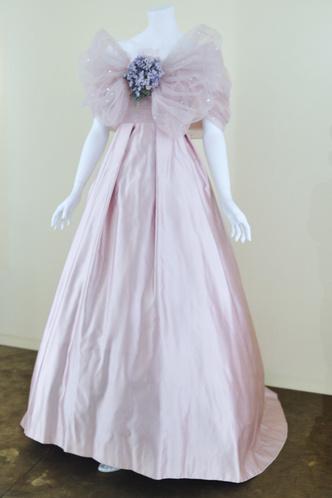 Фото №9 - 25 самых романтичных звездных платьев всех времен