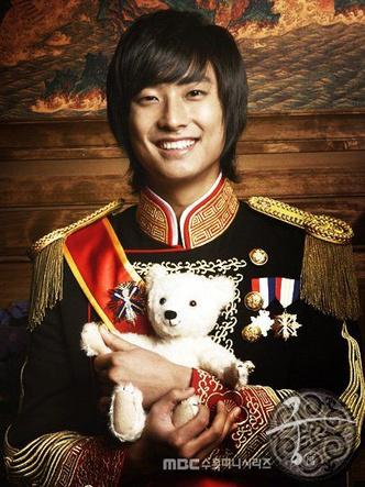 Фото №10 - 10 корейских актеров, которых обожают сами корейцы 😍
