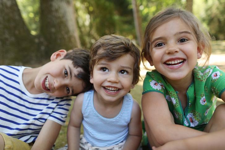 братья и сестры, многодетные семьи, успешные дети, как вырастить успешного ребенка, заработок, кто больше зарабатывает