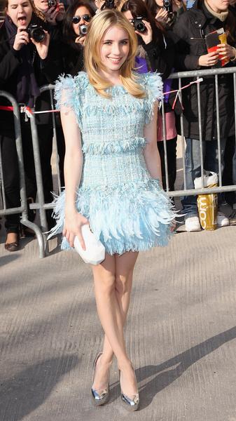 Эмма Робертс на показе Chanel на Неделе моды в Париже