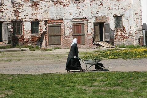 Фото №5 - «Исповедь бывшей послушницы»: как живут в монастыре женщины с детьми