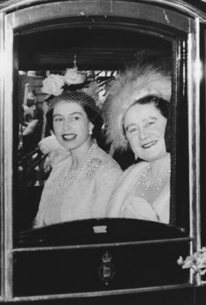 Фото №6 - Секреты Короны: как королева-мать помогала Маргарет скрывать ее тайный роман