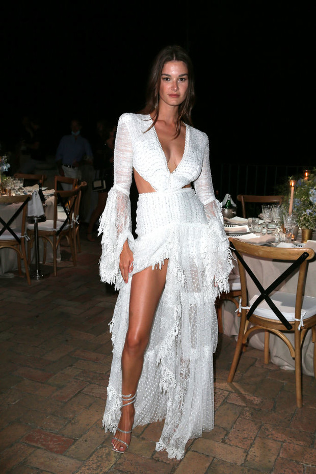 Фото №5 - Наташа Поли, Синди Бруна и другие супермодели на роскошной вечеринке на Капри