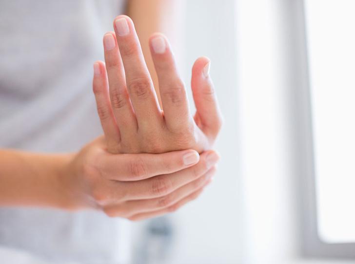 Фото №2 - Все, что вы должны знать об уходе за руками в холода