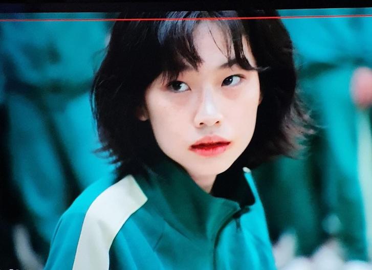 Фото №1 - Звезда сериала «Игра в кальмара» Чон Хо Ен: от модели с характером до мировой знаменитости