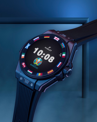 Фото №8 - Спортивный настрой: как выглядят новые смарт-часы Hublot в честь Euro 2020