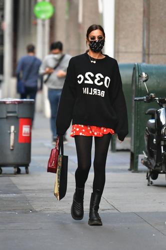 Фото №3 - Костенко надела юбку как у первоклашки и оконфузилась