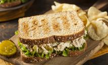 Горячие бутерброды с сайрой