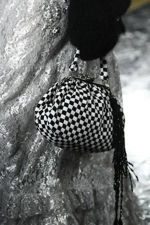 Фото №7 - Модная партия: как носить шахматный принт