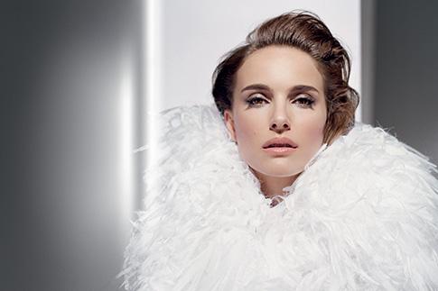 Фото №1 - Новинка месяца: тональные средства Diorskin Star, Dior