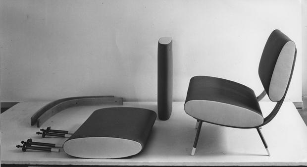 Фото №2 - Molteni & C переиздает два культовых объекта Джо Понти